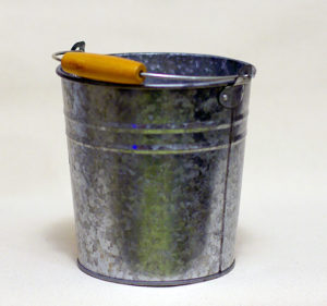 Medium Galvanized Tub w/ Wooden Handles