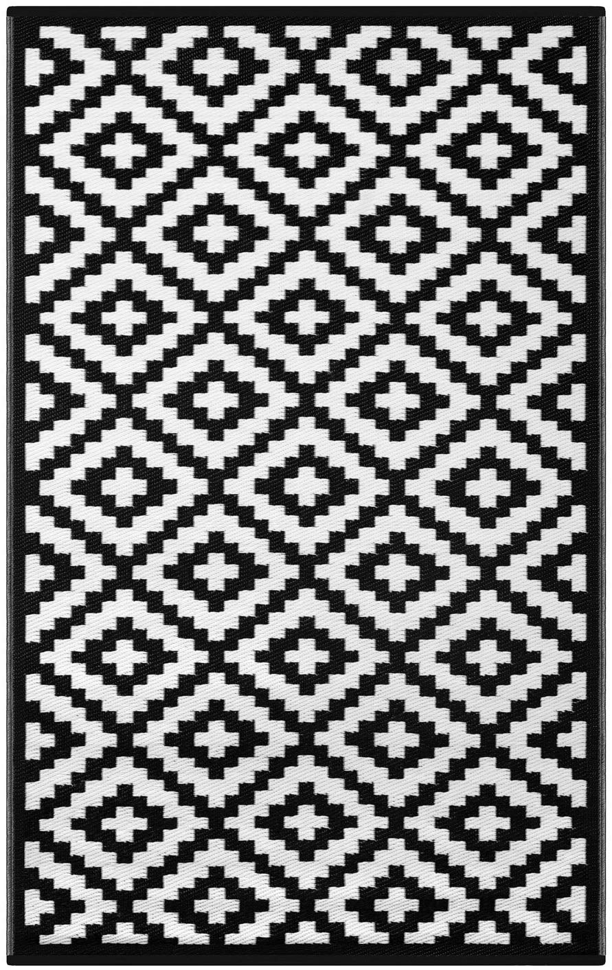 black and white rug rental